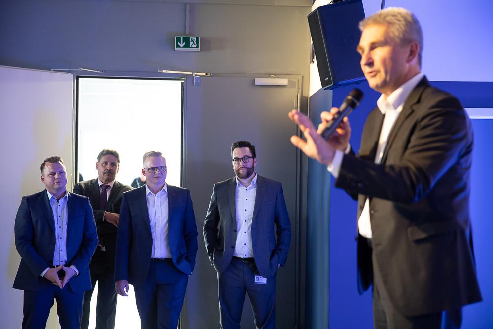 NRW-Wirtschaftsminister Pinkwart besucht DATASEC